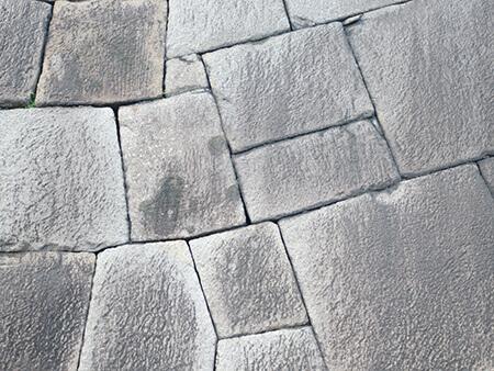 外構に石を用いる際のメリットとデメリット
