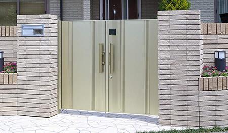 電気錠付き門扉