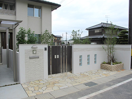 門扉・門柱の外構工事を行う際にかかる費用と基礎知識