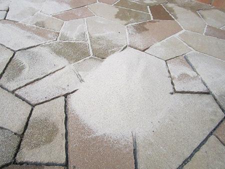 最初は砂がどうしても流出してしまいます