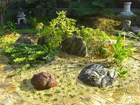 高価な石が庭に合うとは限りません