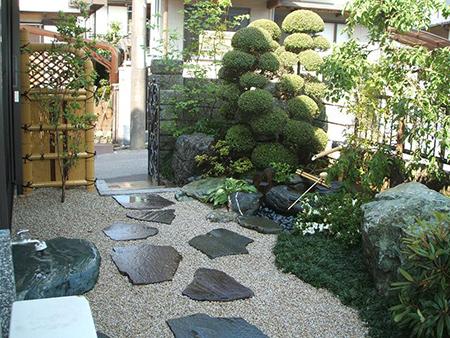 庭木の配置を良く見せる方法